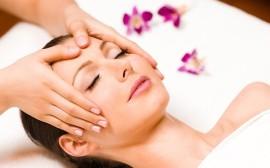 Masaje facial con aceites esenciales (15 min)